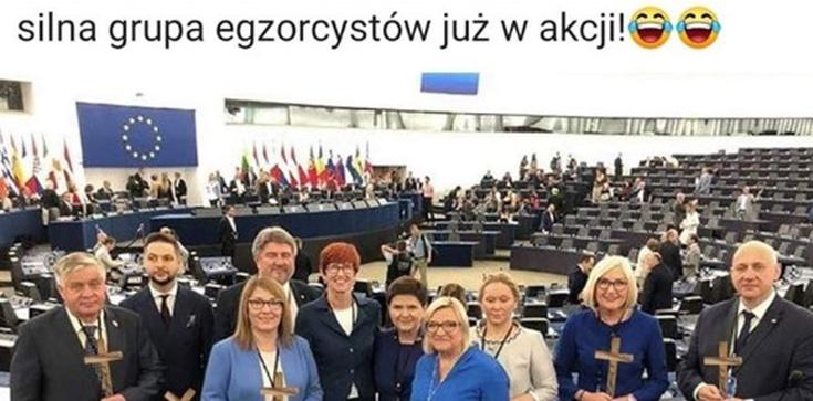 'Silna grupa egzorcystów już w akcji!' Żenujący fotomontaż na antypisowskim profilu!!! - zdjęcie