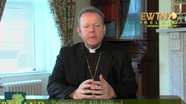 ,,To prowokacja''. Prymas Irlandii stanowczo odpowiada na zakaz publicznego kultu  - miniaturka