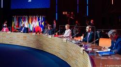 Premier Morawiecki w Porto: Trzeba uwolnić patenty na szczepionki!  - miniaturka