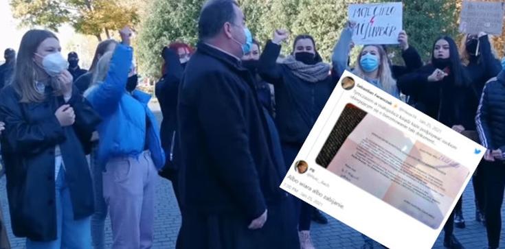Oburzenie na lewicy. Ksiądz wymaga od kandydatów do bierzmowania odcięcia się od Strajku Kobiet  - zdjęcie
