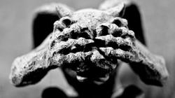 Zwolennicy ,,laicyzacji'' zniszczyli zabytkową kapliczkę - miniaturka