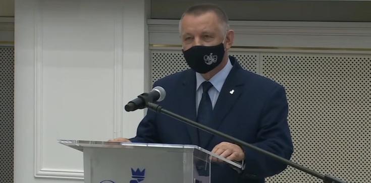 Zarządy Poczty Polskiej i PWPW popełniły przestępstwo? NIK zawiadamia prokuraturę  - zdjęcie