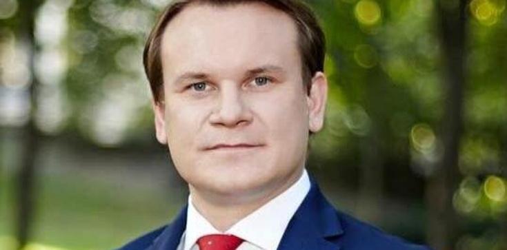 Dominik Tarczyński dla Fronda.pl: Wygraliśmy pierwszą bitwę w wojnie o życie nienarodzonych! - zdjęcie