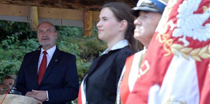 Nareszcie! Macierewicz przywraca godność Bohaterom! - zdjęcie