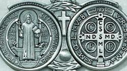 IDŹ PRECZ, szatanie! Medalik świętego Benedykta - miniaturka