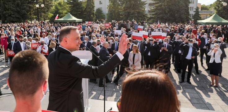 Prezydent Duda w Chełmie. Tłumy. Solidarność, wspólnota i odpowiedzialność za siebie nawzajem - zdjęcie