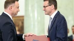 CBOS: Oto, komu najbardziej ufają Polacy. Liderem- prezydent. Rosną notowania premiera! - miniaturka