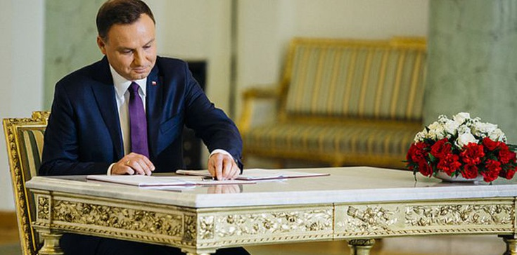 Akcja Demokracja domaga się weta nowelizacji ustawy o IPN - zdjęcie