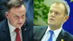 Sondaż prezydencki: Duda wygrywa z Tuskiem o włos - miniaturka