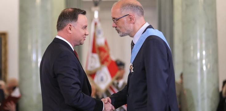 Prezydent odznaczył zasłużonych. Wśród nich prof. Andrzej Nowak. Gratulujemy! - zdjęcie