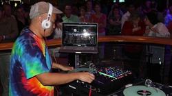 Burza w środowisku DJ-ów. Jeden się wyłamał i pokazał 20 nielegalnych imprez tylko w ten weekend - miniaturka