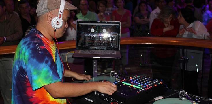 Burza w środowisku DJ-ów. Jeden się wyłamał i pokazał 20 nielegalnych imprez tylko w ten weekend - zdjęcie