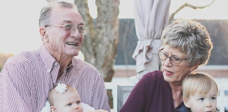 Rzecznik Episkopatu: Polećmy dziś nasze babcie i dziadków wstawiennictwu świętych Joachima i Anny - zdjęcie
