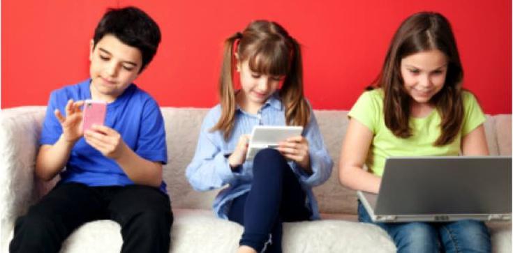 Dajesz małemu dziecku tablet? Zobacz co mu robisz! - zdjęcie
