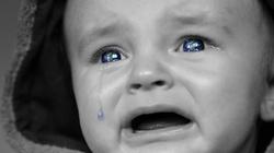 Kilkadziesiąt dzieci urodzonych przez surogatki oczekuje na odebranie w kijowskim hotelu - miniaturka