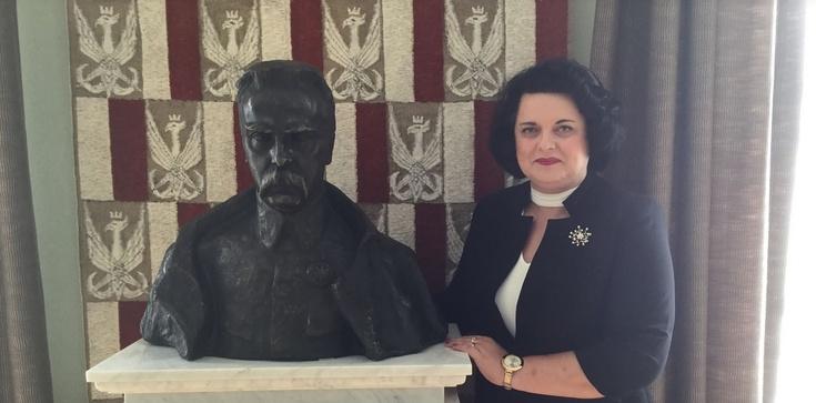 Barbara Dziuk dla Frondy: Za obrażanie Polski - skazywać na banicję!!! - zdjęcie