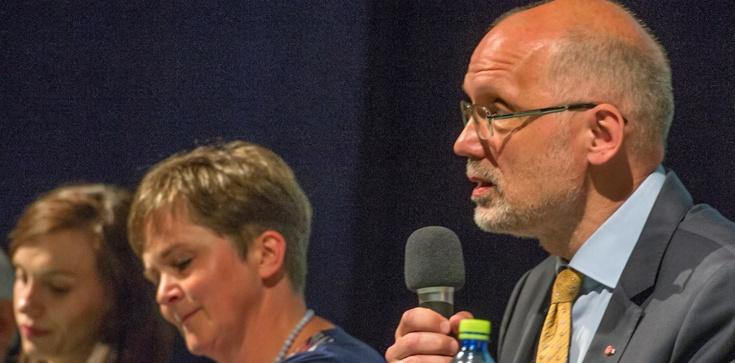 Premiera dzieł prof. Andrzeja Nowaka i jego Małżonki – patriotyzm przez literaturę, niepodległość przez wspólnotę. - zdjęcie