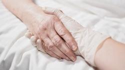 Europa umiera, eutanazja 'pod bokiem' papieża - miniaturka
