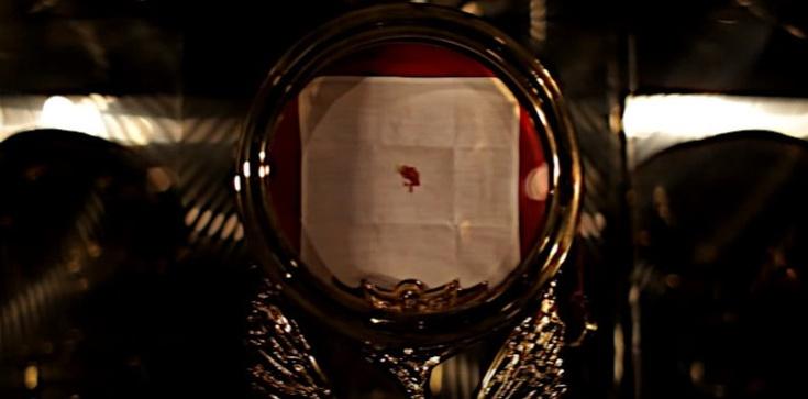 Mocny znak od Pana. Dlaczego Hostie krwawią? - zdjęcie