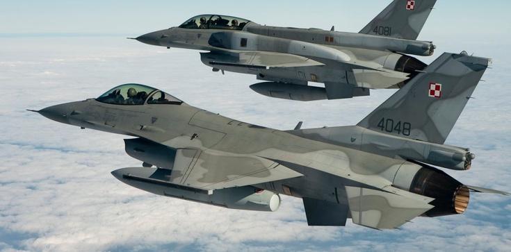 Pentagon wyjaśnia obecność dużej ilości amerykańskich myśliwców w Polsce - zdjęcie