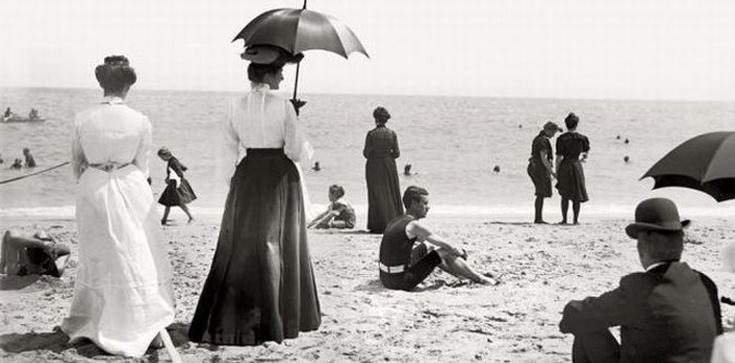 Jak kobieta powinna ubrać się na plażę? - zdjęcie