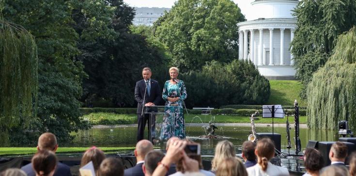 Święto polskiej literatury. Para prezydencka zainaugurowała ,,Narodowe Czytanie 2020'' - zdjęcie