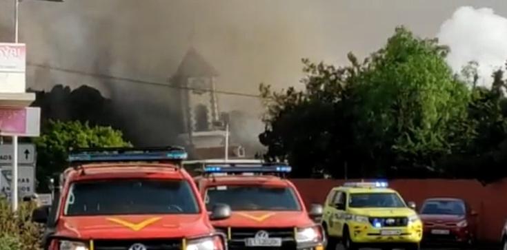 Znaki czasów: Erupcja wulkanu na La Palmie. Lawa pochłonęła kościół - zdjęcie