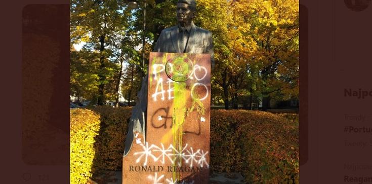 Cenckiewicz o feministkach, które zdewastowały w Warszawie pomnik prezydenta Reagana: ,,Dzicz lewacka'' - zdjęcie