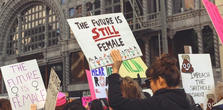 Feministki: Nigdy nie słyszano, aby abortowany płód się skarżył - zdjęcie