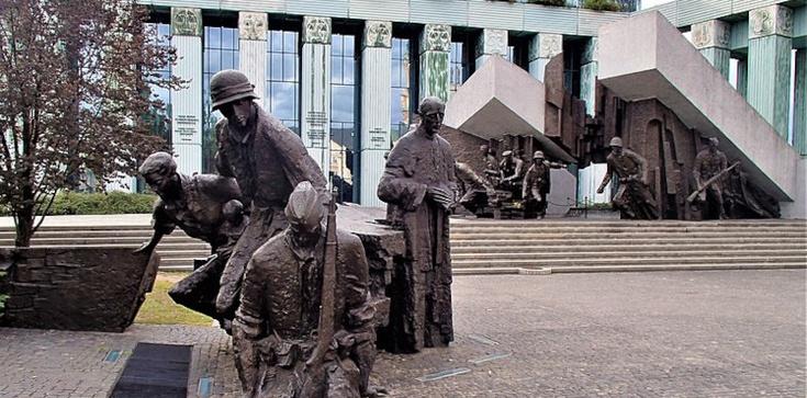 Warszawa oddała cześć Bohaterom. ,,To Powstanie, ta krew, nie poszły na marne''  - zdjęcie