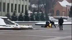 Mińsk: Młody mężczyzna podpalił się przed siedzibą rządu  - miniaturka