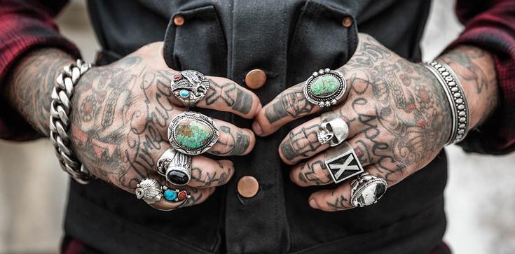 Biblia zdecydowanie sprzeciwia się praktyce tatuowania ciała - zdjęcie