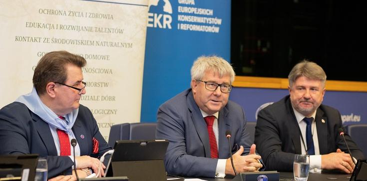 Europosłowie PiS: Dzisiejsza Europa potrzebuje wartości  - zdjęcie
