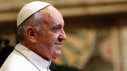 Tych chrześcijan Franciszek zostawił na Lesbos - miniaturka