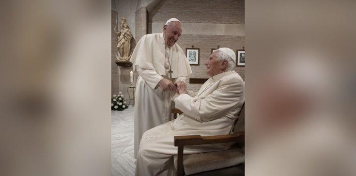 Franciszek i Benedykt XVI zostali zaszczepieni - zdjęcie