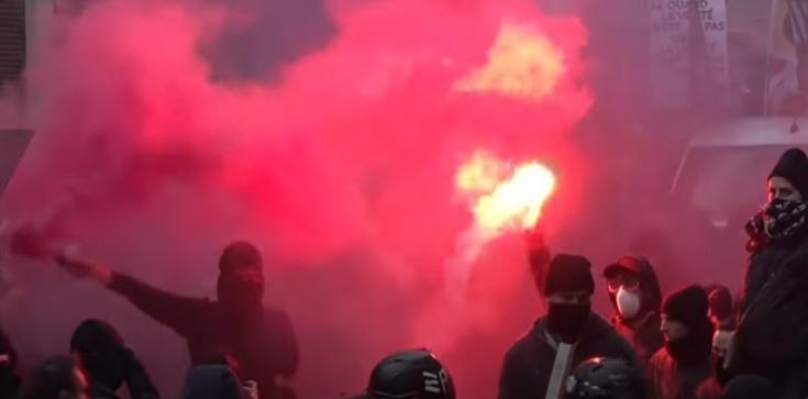 Francja. Paryż płonie: ,,Wszyscy nienawidzą policji'' [Wideo] - zdjęcie