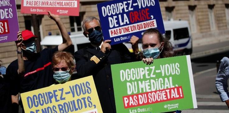 Francuscy biskupi krytykują nową ustawę bioetyczną - zdjęcie