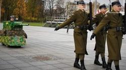 OBRZYDLIWE! Kodziarze nie uszanują nawet Grobu Nieznanego Żołnierza!  - miniaturka