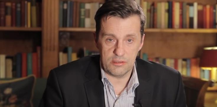 Witold Gadowski dla Frondy: Podnóżki Rosji chcą 'ubłocić' Macierewicza - zdjęcie