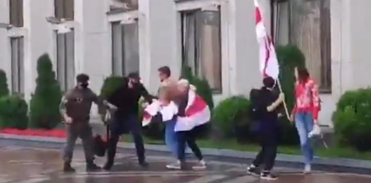Białoruscy studenci rok akademicki rozpoczęli od spacyfikowanego przez OMON protestu  - zdjęcie