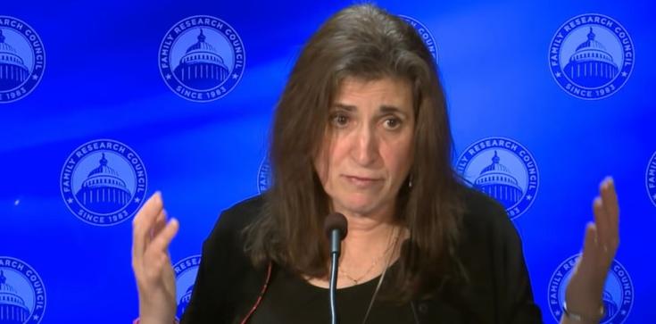Była analityk CIA: Lockdown to szkoła inwigilacji  - zdjęcie