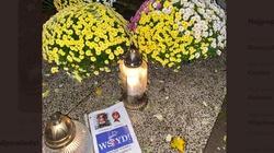 Bezczelność! ,,Strajk kobiet'' na grobie matki posłanki PiS - miniaturka