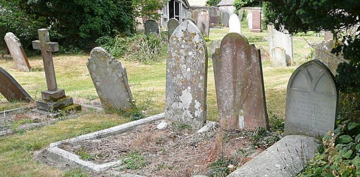 Groby bohaterów do likwidacji - zdjęcie