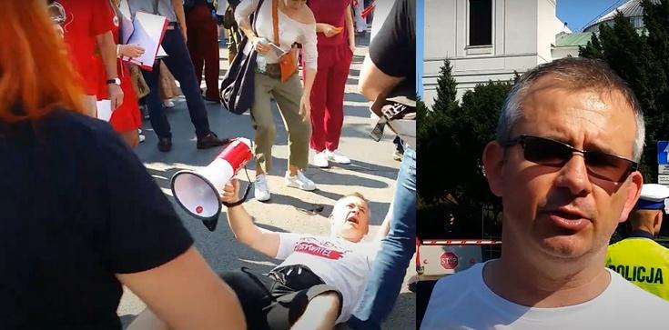 (WIDEO 18+) Dziennikarz TVN zatrzymany przez policję. Miał użyć przemocy wobec demonstranta - zdjęcie