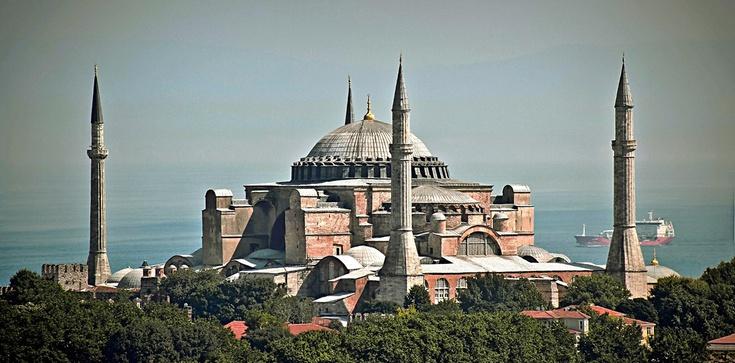 """Turcja """"zemści się"""" na papieżu i zmieni Hagię Sofię w meczet? - zdjęcie"""