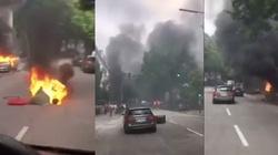 Dantejskie sceny w Hamburgu! Płoną samochody, Melania Trump uwięziona w hotelu - miniaturka