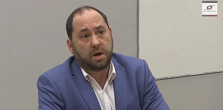 Tomasz Poller: W Polsce reżim jak na Białorusi, czyli profesor Hartman i inni jednym głosem z kremlowskimi trollami - zdjęcie