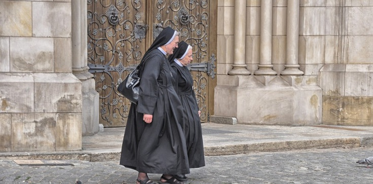 Miliony Polaków każdego dnia korzystają z pomocy Kościoła. To największa instytucja charytatywna!  - zdjęcie