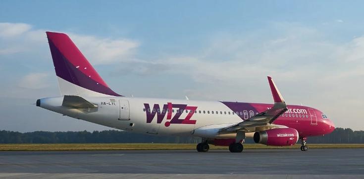 Tuż po starcie z Katowic piloci zgłosili awarię. Na pokładzie 153 pasażerów - zdjęcie