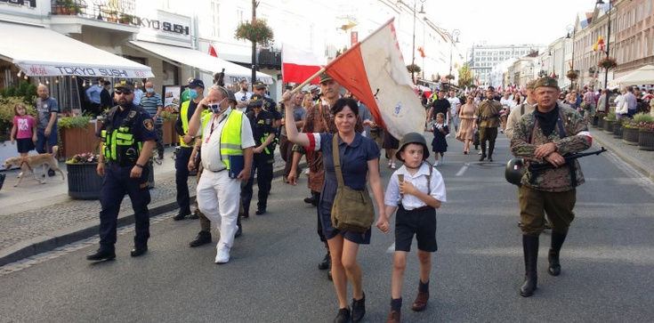 Jan Bodakowski: Marsz Powstania Warszawskiego i lewicowe prowokacje. Relacja - zdjęcie